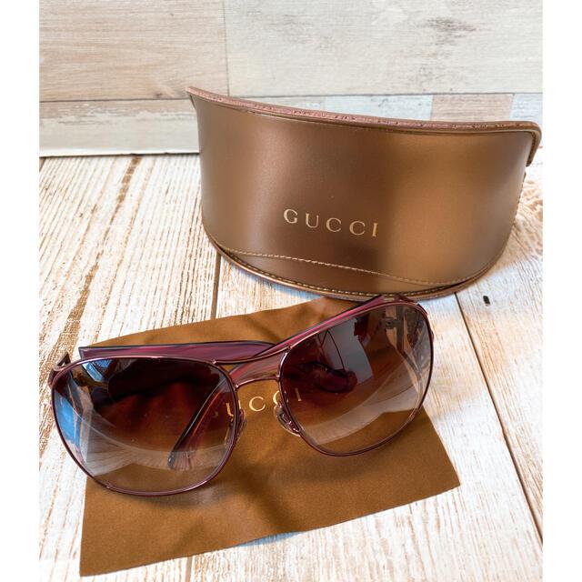 Gucci(グッチ)の即購入可!! 正規品 GUCCI サングラス ケース付き★ レディースのファッション小物(サングラス/メガネ)の商品写真