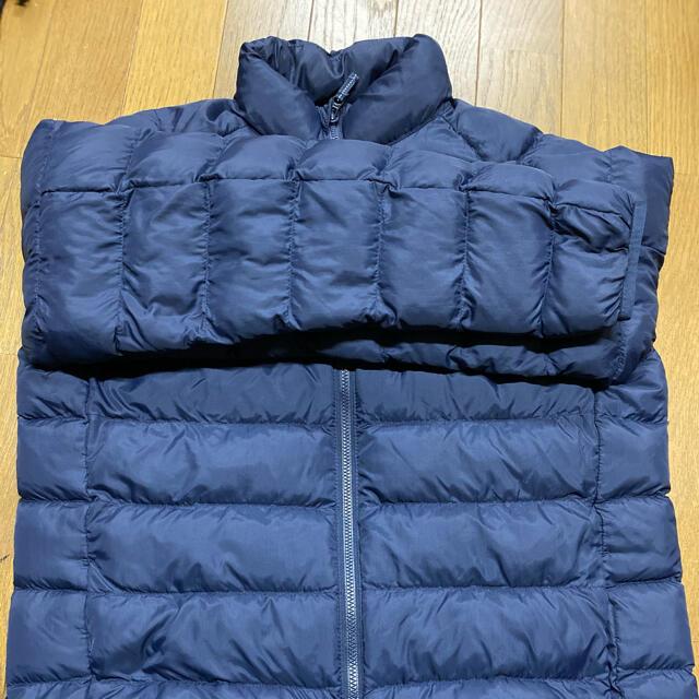 UNIQLO(ユニクロ)のユニクロ ネイビー ダウン 160 キッズ/ベビー/マタニティのキッズ服男の子用(90cm~)(ジャケット/上着)の商品写真