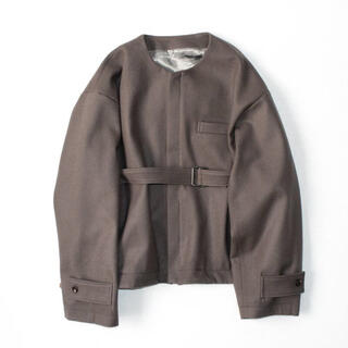stein NO COLLAR BELTED JACKET