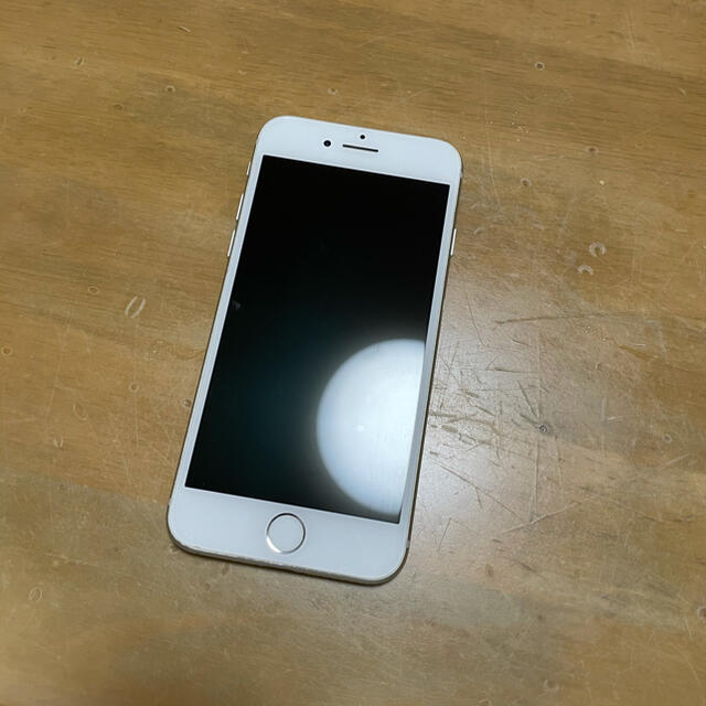 Apple(アップル)のiphone 8 64GB simフリー スマホ/家電/カメラのスマートフォン/携帯電話(スマートフォン本体)の商品写真