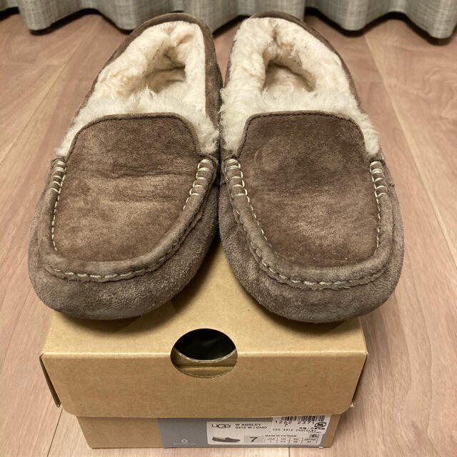 UGG(アグ)のUGG  アンスレー モカシン US7  24cm レディースの靴/シューズ(スリッポン/モカシン)の商品写真