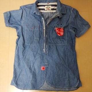 アップスタート(UPSTART)のUPSMILE シャツ(Tシャツ(半袖/袖なし))