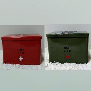 KALDI - カルディ*ファーストエイド缶(レッド・カーキ)チョコレート2種セット