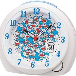 セイコー(SEIKO)のセイコークロック 目覚まし時計 ドラえもん 50周年記念 白パール(置時計)