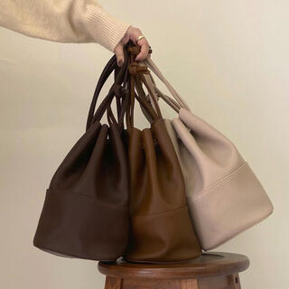 Kastane - lawgy leather bucket bag