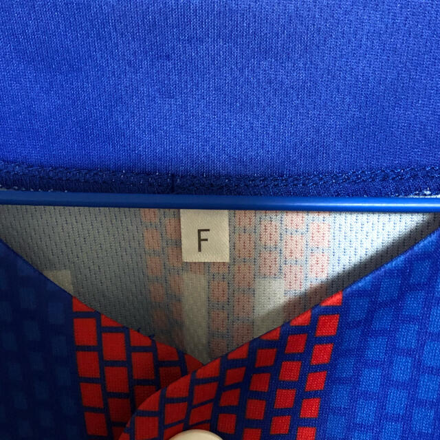 FC東京 ベースボールシャツ ユニフォーム【未使用品】 スポーツ/アウトドアのサッカー/フットサル(ウェア)の商品写真