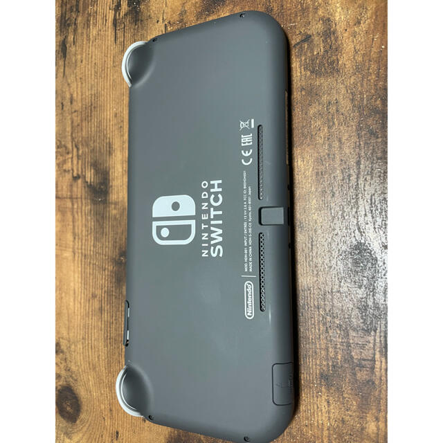 Nintendo Switch(ニンテンドースイッチ)のNintendo Switch Liteグレー ほぼ新品!保証期間まだまだあり! エンタメ/ホビーのゲームソフト/ゲーム機本体(家庭用ゲーム機本体)の商品写真
