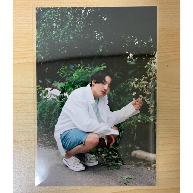 防弾少年団(BTS)(ボウダンショウネンダン)のBTS シーグリ2021 グク JUNGKOOK ランダムフォトカード  トレカ エンタメ/ホビーのCD(K-POP/アジア)の商品写真