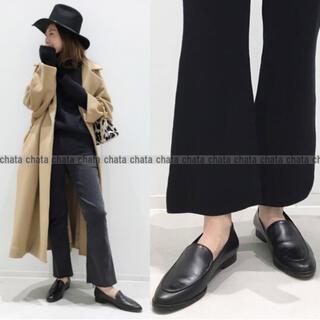 アパルトモンドゥーズィエムクラス(L'Appartement DEUXIEME CLASSE)のアパルトモン FLATTEREDフラッタード フラットシューズ ブラック黒37(ローファー/革靴)