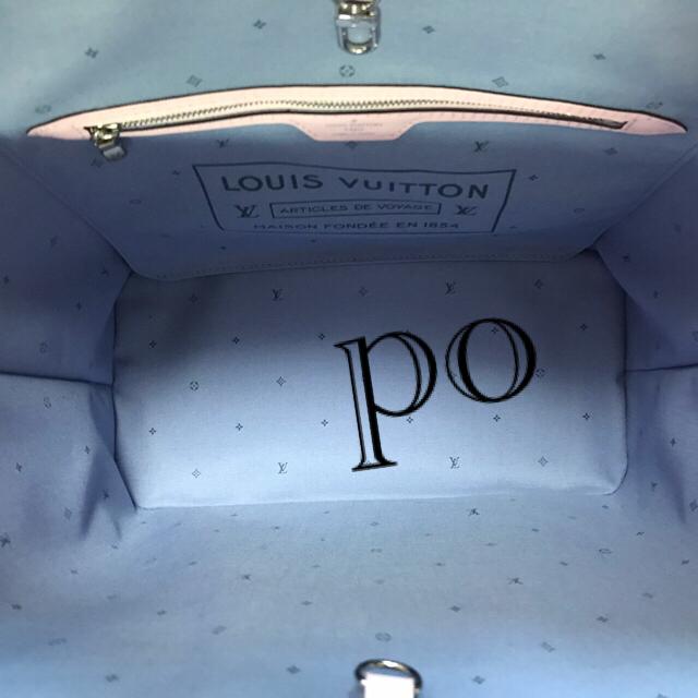 LOUIS VUITTON(ルイヴィトン)のルイヴィトン  エスカル ネブァーフルMM ジャイアントモノグラム レディースのバッグ(トートバッグ)の商品写真