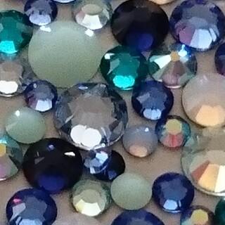 スワロフスキー(SWAROVSKI)のスワロフスキー正規品 ブルーmix ss5/7/9/12/16   100粒(デコパーツ)