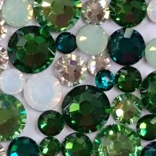 スワロフスキー(SWAROVSKI)のスワロフスキー正規品 グリーンmix ss5/7/9/12/16   100粒(デコパーツ)