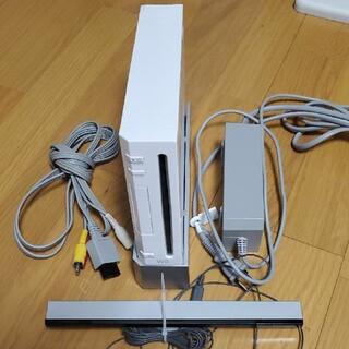 ウィー(Wii)のWii本体(家庭用ゲーム機本体)