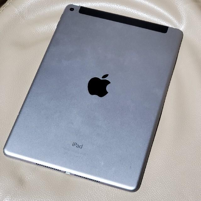 Apple(アップル)のau  iPad Air 2  16GB  MGGX2J/A スマホ/家電/カメラのPC/タブレット(タブレット)の商品写真