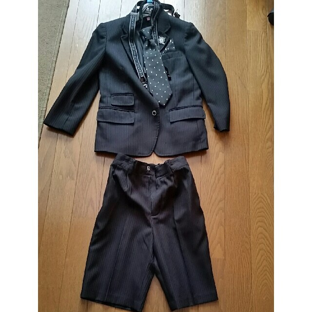 HIROMICHI NAKANO(ヒロミチナカノ)の120cm  フォーマルスーツ  (男児) ヒロミチナカノ キッズ/ベビー/マタニティのキッズ服男の子用(90cm~)(ジャケット/上着)の商品写真