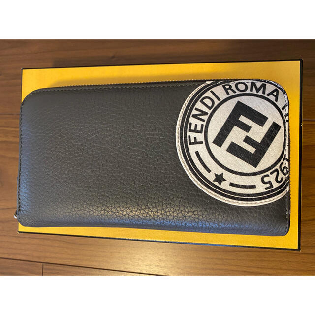 FENDI(フェンディ)のFENDI 長財布 ラウンドファスナー メンズのファッション小物(長財布)の商品写真