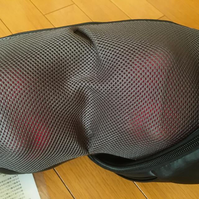 中古美品 ドクターエア ネックマッサージャー MN-001 ブラック スマホ/家電/カメラの美容/健康(マッサージ機)の商品写真