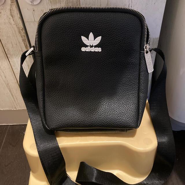 adidas(アディダス)のadidas ショルダーバッグ レディースのバッグ(ショルダーバッグ)の商品写真