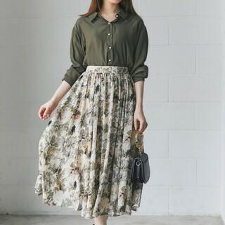 tocco - 優しいカラーリングにときめく水彩フラワープリントフレアスカート