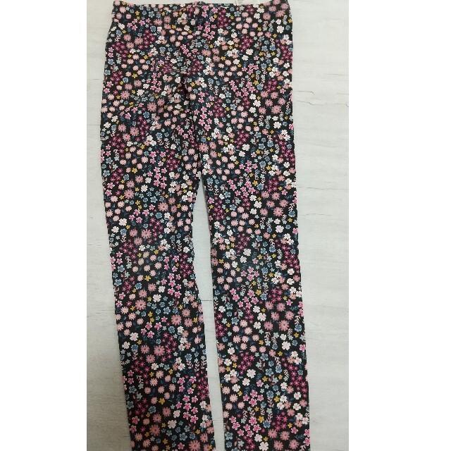 H&M(エイチアンドエム)のH&M 130サイズ パーカーとスパッツのセット キッズ/ベビー/マタニティのキッズ服女の子用(90cm~)(Tシャツ/カットソー)の商品写真