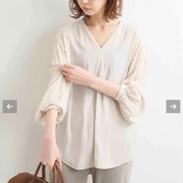 IENA(イエナ)のIENA Vネックブラウス レディースのトップス(シャツ/ブラウス(半袖/袖なし))の商品写真