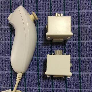 ウィー(Wii)のWiiリモコンプラス&ヌンチャク(家庭用ゲーム機本体)