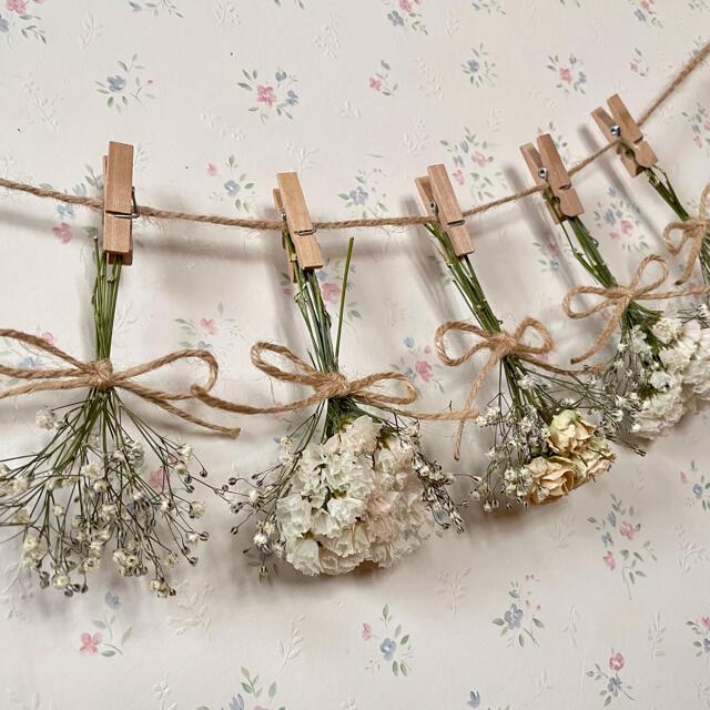 かすみ草とホワイトバラのオールホワイトドライフラワーガーランド♡スワッグ♡ブーケ ハンドメイドのフラワー/ガーデン(ドライフラワー)の商品写真