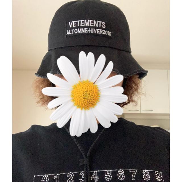 Supreme(シュプリーム)のVETEMENTSバケットハット カスタム メンズの帽子(キャップ)の商品写真