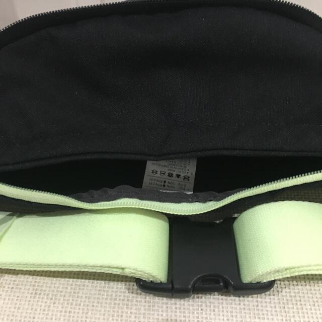 NIKE(ナイキ)のNIKE ショルダーバック 黒・蛍光イエロー メンズのバッグ(ショルダーバッグ)の商品写真