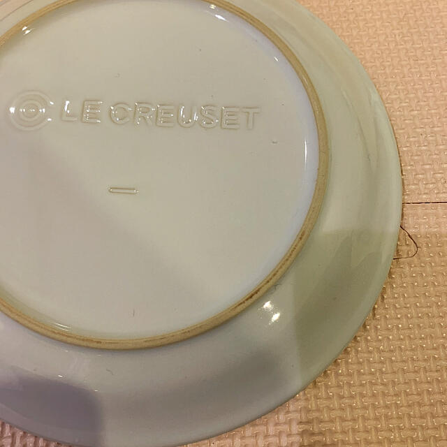 LE CREUSET(ルクルーゼ)の新品 ル・クルーゼ☆ラウンドプレート19cm☆2枚 インテリア/住まい/日用品のキッチン/食器(食器)の商品写真