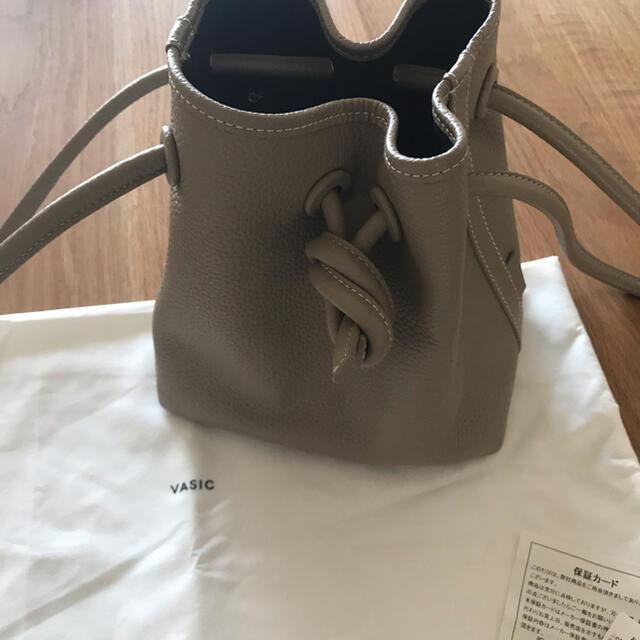 TOMORROWLAND(トゥモローランド)のVASIC Bond mini BAG / sand +ハイクニット レディースのバッグ(ハンドバッグ)の商品写真