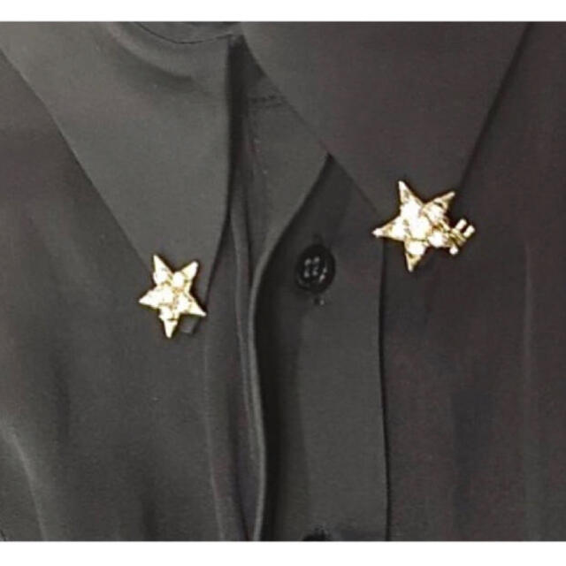 イタリア製 変形ペプラムフリル半袖シャツ ブラック×ゴールデンスター レディースのトップス(シャツ/ブラウス(半袖/袖なし))の商品写真
