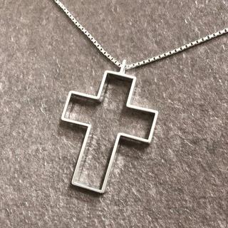 グッチ(Gucci)の正規品 グッチ ネックレス シルバー オープン クロス 十字架 SV925 銀4(ネックレス)