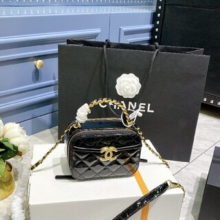 CHANEL - CHANELバッグ