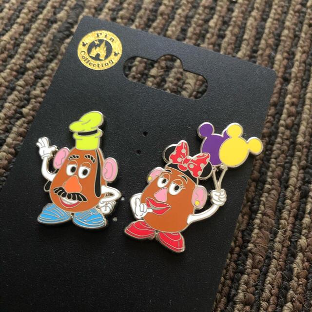 トイ・ストーリー(トイストーリー)のTDR ディズニー ミスターポテトヘッド&ミセスポテトヘッド ピンバッジ エンタメ/ホビーのおもちゃ/ぬいぐるみ(キャラクターグッズ)の商品写真