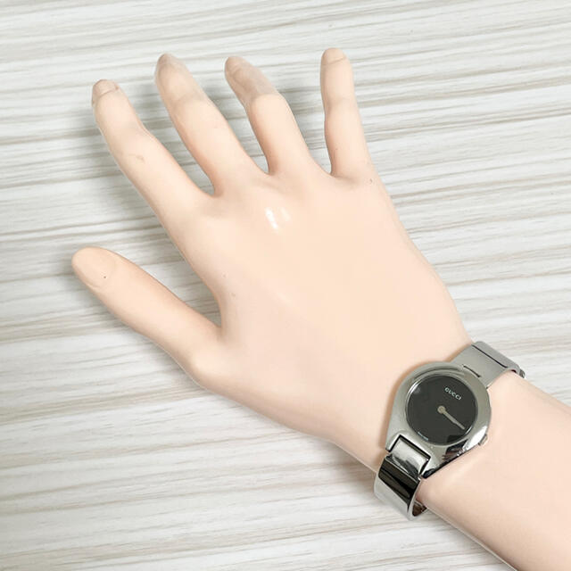 Gucci(グッチ)の196 グッチ時計 レディース腕時計 新品電池 ハングル調節タイプ 6700L レディースのファッション小物(腕時計)の商品写真