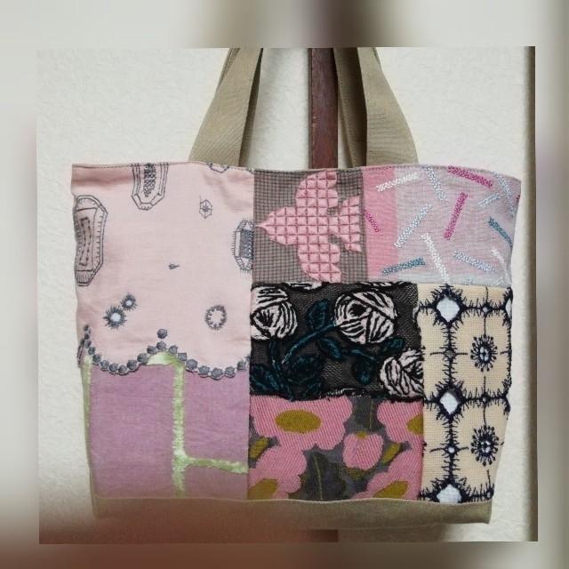 mina perhonen(ミナペルホネン)の⭐値下げ✨ミナペルホネン お手頃サイズの可愛いバッグ 送料込み❕ レディースのバッグ(トートバッグ)の商品写真