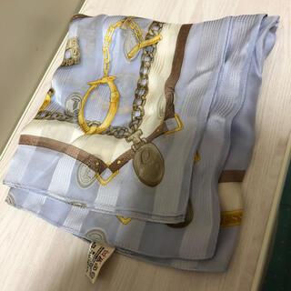 トラサルディ(Trussardi)の美品トラサルディ trussardiスカーフ 大判 水色シルク(バンダナ/スカーフ)