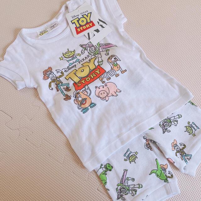 ZARA KIDS(ザラキッズ)のZARA  パジャマ トイストーリー 新品未使用品 キッズ/ベビー/マタニティのキッズ服男の子用(90cm~)(パジャマ)の商品写真