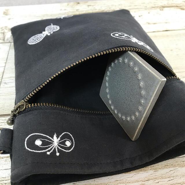 ミナペルホネン ハンドメイド サコッシュ スマホポーチ ショルダーバッグ C レディースのバッグ(ショルダーバッグ)の商品写真