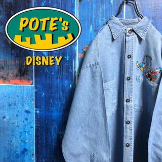 ディズニー(Disney)の【ディズニー】ミッキー・ドナルド・グーフィーフィッシングキャラ刺繍デニムシャツ(シャツ)