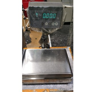 中古工業の電子秤(冷蔵庫)