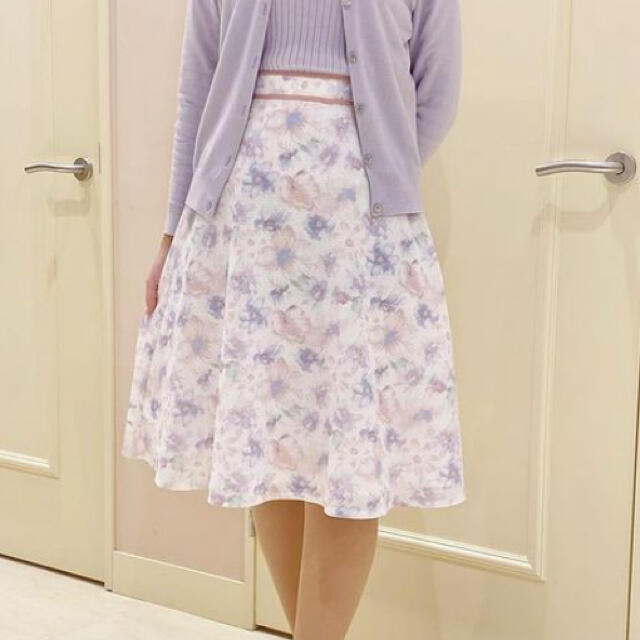 Debut de Fiore(デビュードフィオレ)のデビュードフィオレ シアーフラワースカート レディースのスカート(ひざ丈スカート)の商品写真