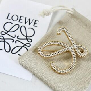 LOEWE - ブローチ  美品 未使用 LOEWE