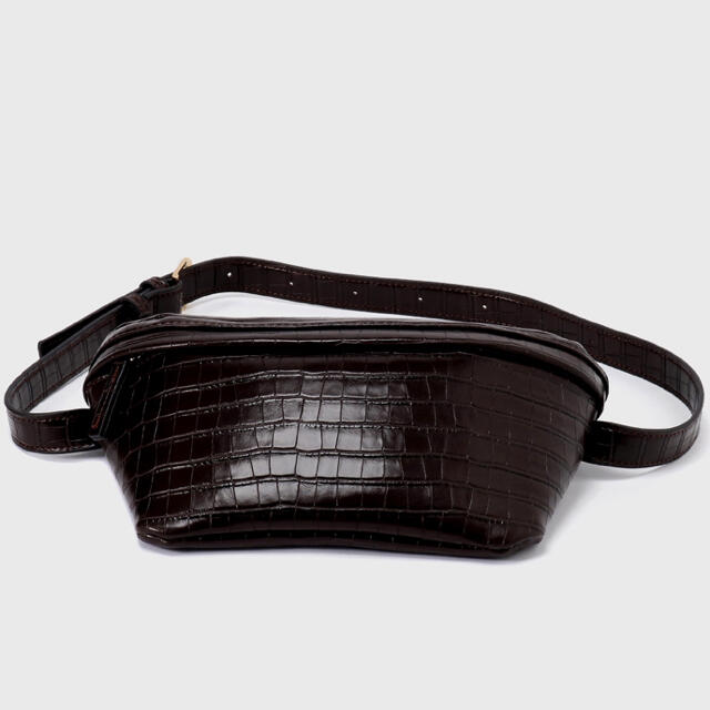 AZUL by moussy(アズールバイマウジー)のazulbymoussyボディバッグ◉ブラウン レディースのバッグ(ボディバッグ/ウエストポーチ)の商品写真