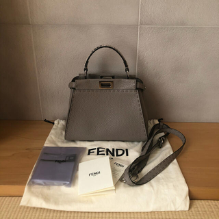 FENDI - フェンディ FENDI ミニピーカブー 8bn244 グレー セレリア