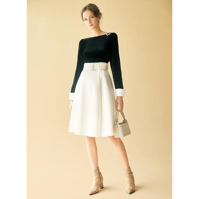 """FOXEY(フォクシー)の2020年 フォクシー スカート """"Bellflower"""" ベルト付き レディースのスカート(ひざ丈スカート)の商品写真"""