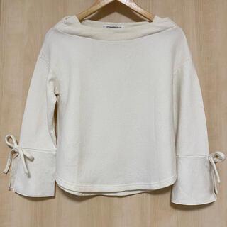 ストロベリーフィールズ(STRAWBERRY-FIELDS)のストロベリーフィールズ 袖リボン付きゆったりプルオーバー ウール100%(ニット/セーター)