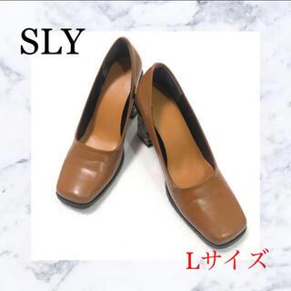 スライ(SLY)のSLY  スクエアトゥ  パイソン柄 チャンキーヒール L(ハイヒール/パンプス)