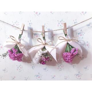 2種のピンクのバラとかすみ草のミニブーケドライフラワーガーランド♡スワッグ♡(ドライフラワー)